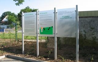 Gedenktafeln der Mainleuser Wiesengräber aus Acryl