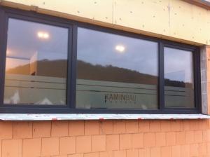 Fensterbeschriftung mit Glasdekorfolie
