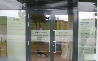 Schaufensterbeschriftung dezent mit Glasdecor